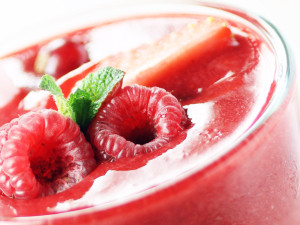 Smoothie surgelato bio con fragole, ciliegie, lamponi e mirtilli rossi biologici Asiago Food.